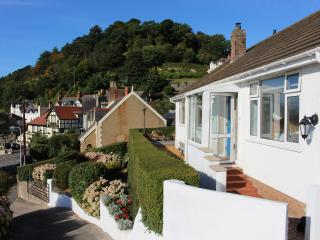 Four Star Contemporary Cottage with Spectacular Views, Llandudno