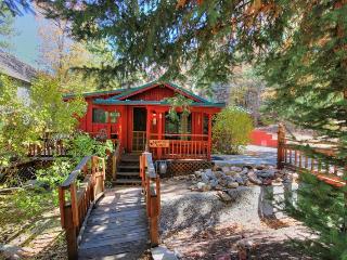 Moose Creek Manor: Near the Village! Hot Tub! BBQ!, Big Bear Lake