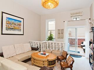 2 bedroom 2 bath next to the Empire State Building