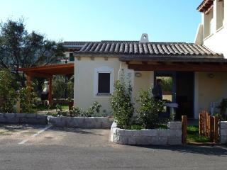 Casavanze Santoreggia. Villetta con giardino.