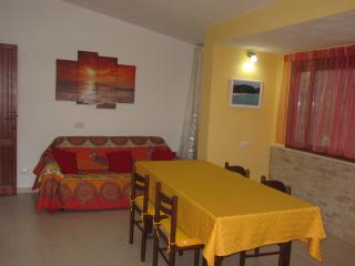 Villa 6-8 beds  1° floor wi-fi, Solanas