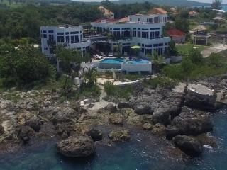 Amedis Villa, Jamaica Oceanfront Luxury, White House