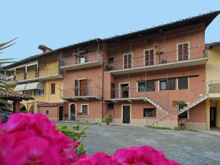 LA GHIACCIAIA residence offre 4 bilocali e 2 monolocali con accesso indipendente, Verzuolo
