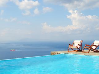 VILLA WITH BREATHTAKING SEA VIEW, Andros