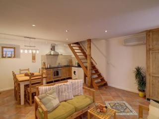 Bright and comfortable old town apartment, Dubrovnik