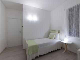 Dafne Bnb - Single Room, Treviso