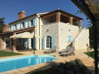 Villa Pomegrana-sleeps 6-8, own pool, near sea, Tar-Vabriga