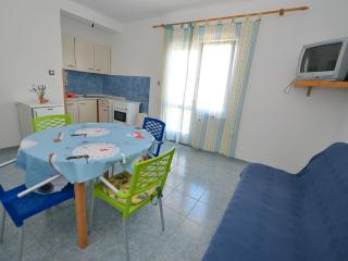 Nice and cozy flat for 4 people, Novalja