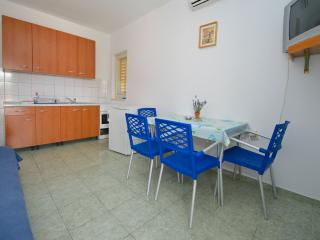 Large and beautiful space for 6 people, Novalja