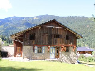 Chalet Enzo - Charming Savoyard farmhouse