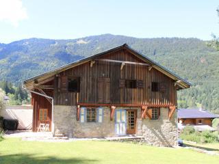 Chalet Enzo - Charming Savoyard farmhouse
