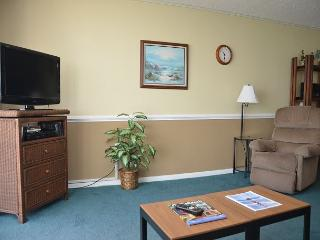 WEEKEND GETAWAY IN THIS 1 BEDROOM OCEAN FRONT CONDO, Garden City Beach