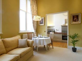 24 The Promenade Apartment - 5*, Cheltenham