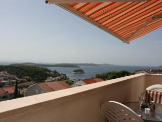 Exclusive Studio  N°1 with sea view and pool, Hvar