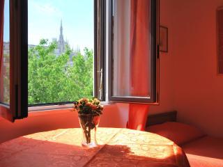 ampio appartamento vicino al Duomo per 4-6 persone, Milán