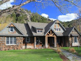 Flatwater Lodge - Craig, Montana, Missouri River