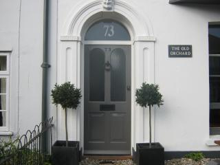 Georgian townhouse by the sea - garden & parking, Deal