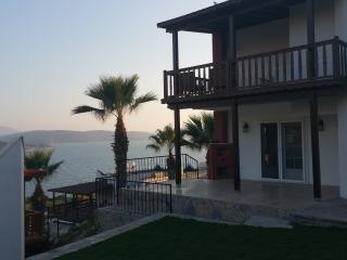 Villa acces plage privé, Guvercinlik