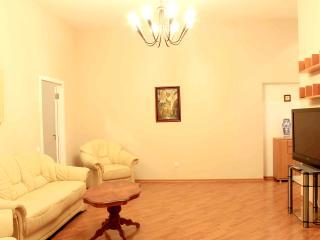 Apartment on Deribasovskaya near the Opera theatre, Odesa