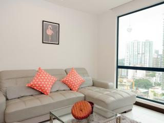 HOMELY 2-BEDROOM CONDO FOR 4 PAX NEAR  B.BINTANG