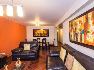 4 BEDROOM APT NEAR LARCOMAR  5TH MIRAFLORES