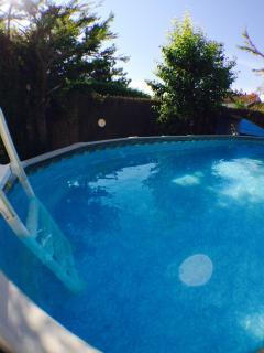 piscine et son echelle