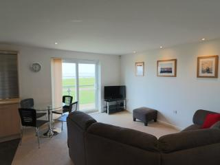 Beachside Holiday Apartment, Llanelli