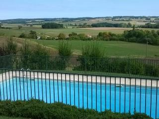 Cottage near to Aubeterre and golf and tennis., Aubeterre-sur-Dronne
