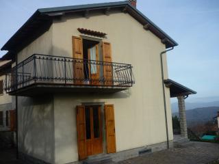 casa singola con giardino in zona panoramica, Montemignaio