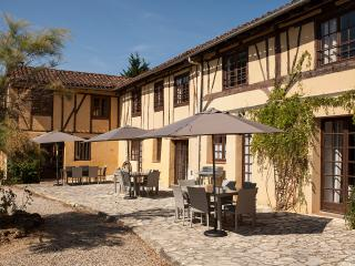 La Mirabel - 3 Gites, 8 bed + pool