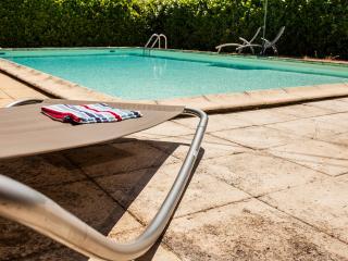 La Mirabel - 3 Gites, 8 bed + pool