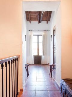 segundo piso, entrada a dormitorios