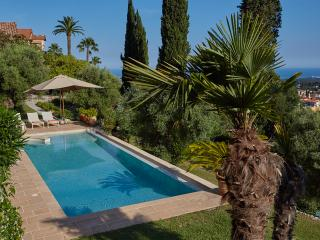Les Amorini villa sea view heated pool air con, Vence