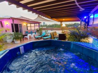 Party Penthouse 14Pax ocean view & jacuzzi, Santo Domingo