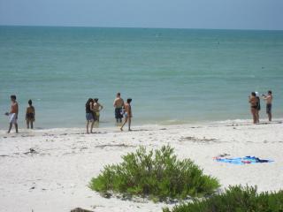 Luxury Condo on Beach Sleeps 6 Sanibel Island, FL, Isla de Sanibel