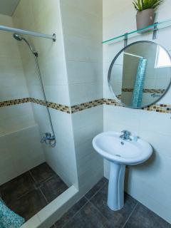 2- batroom