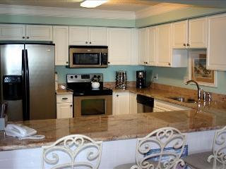 Superior 3BR/3BA Oceanfront Condominium, Surfside Beach