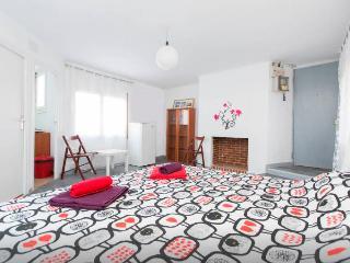 Cozy Studio Near Las Ramblas, Barcelona