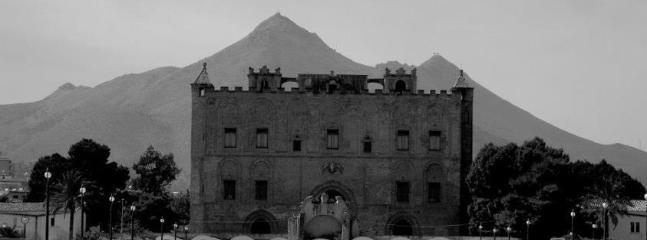 Il Castello Arabo-Normanno della Zisa a circa 1500 metri dall'appartamento