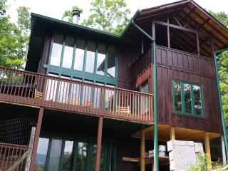 5 bdrm! Don't miss out! Book NOW!, Gatlinburg