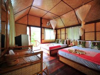 Family Bungalow with Air Con!, Ao Nang