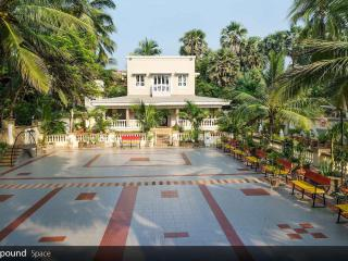 Luxuriously furnished sea facing villa in mumbai, Mumbai (Bombay)