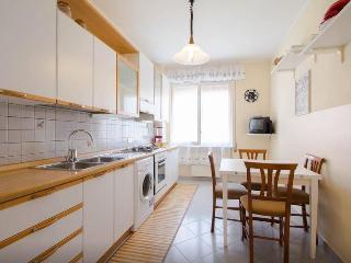 Elegante appartamento a 400 mt. dal mare con box
