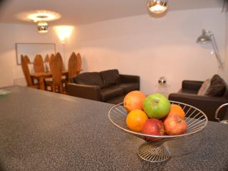BELFAST CENTRAL NEW 3 BED APARTMENT, Belfast