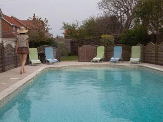 Eastwood House with Swimming Pool