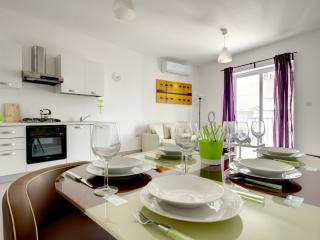 Dolphin Court 2-Bedroom Apartment, St. Paul's Bay