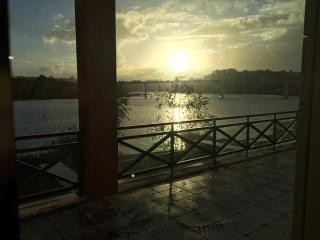 T1 Marina do Freixo–Pousada Freixo-Douro River, Porto
