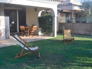 Villa A , 100 meters from the beach, A/C