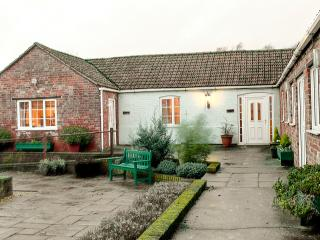 Crewyard Holiday Cottages No3  Moorhen Cottage, Boston