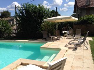 les arbes | stunning location | heated pool